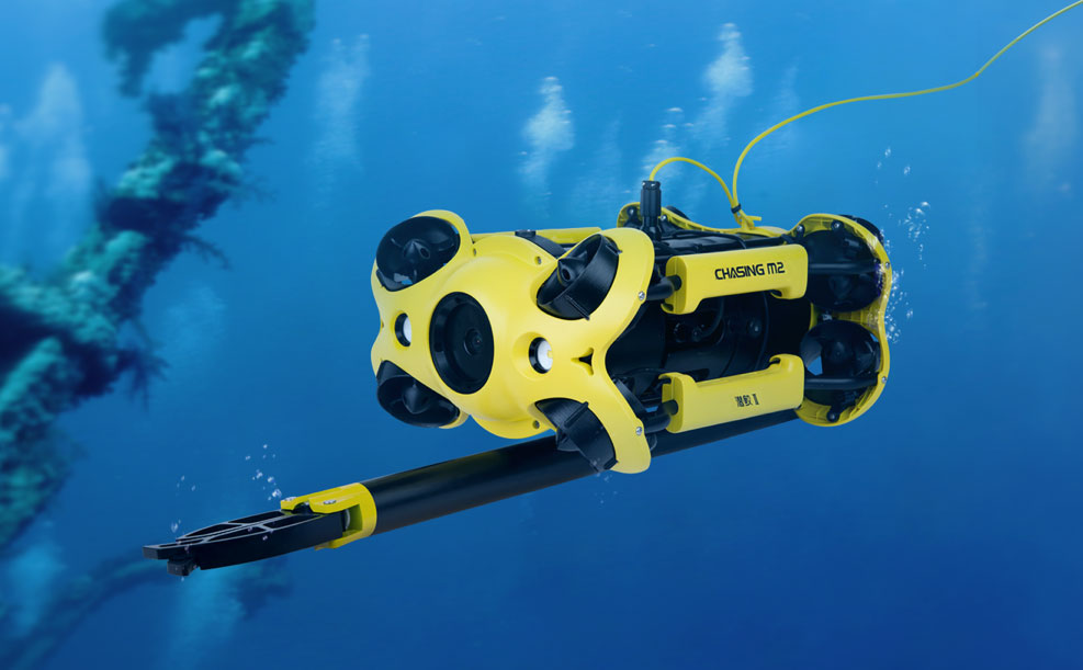 chasing-m2-claw-robotic-arm-underwater-drone.jpg