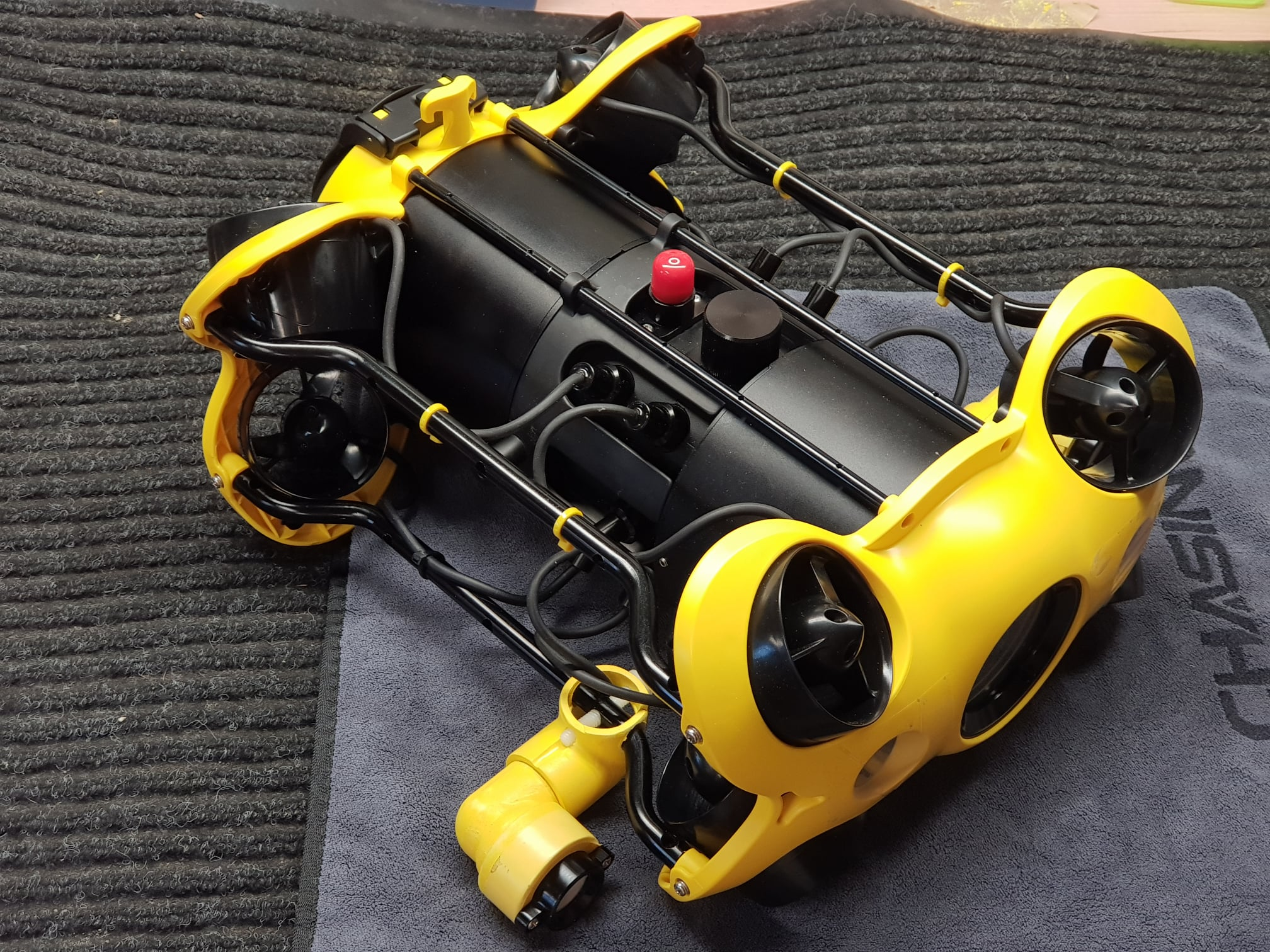 chasing-m2-light-modification-underwater-drone.jpg