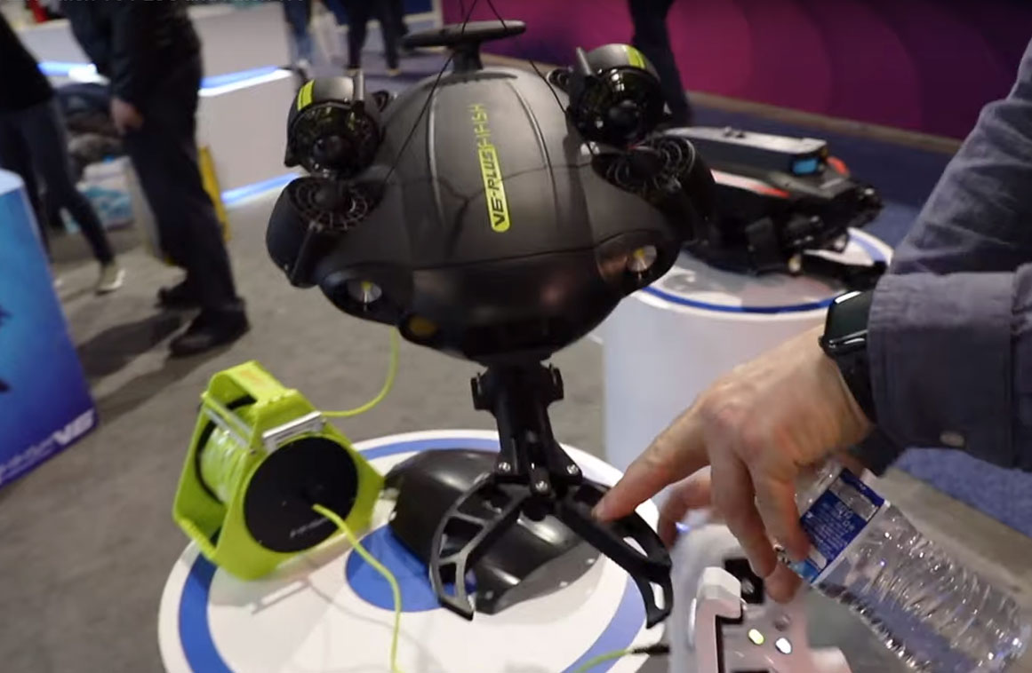 fifish-v6-plus-claw-robotic-arm-underwater-drone.jpg