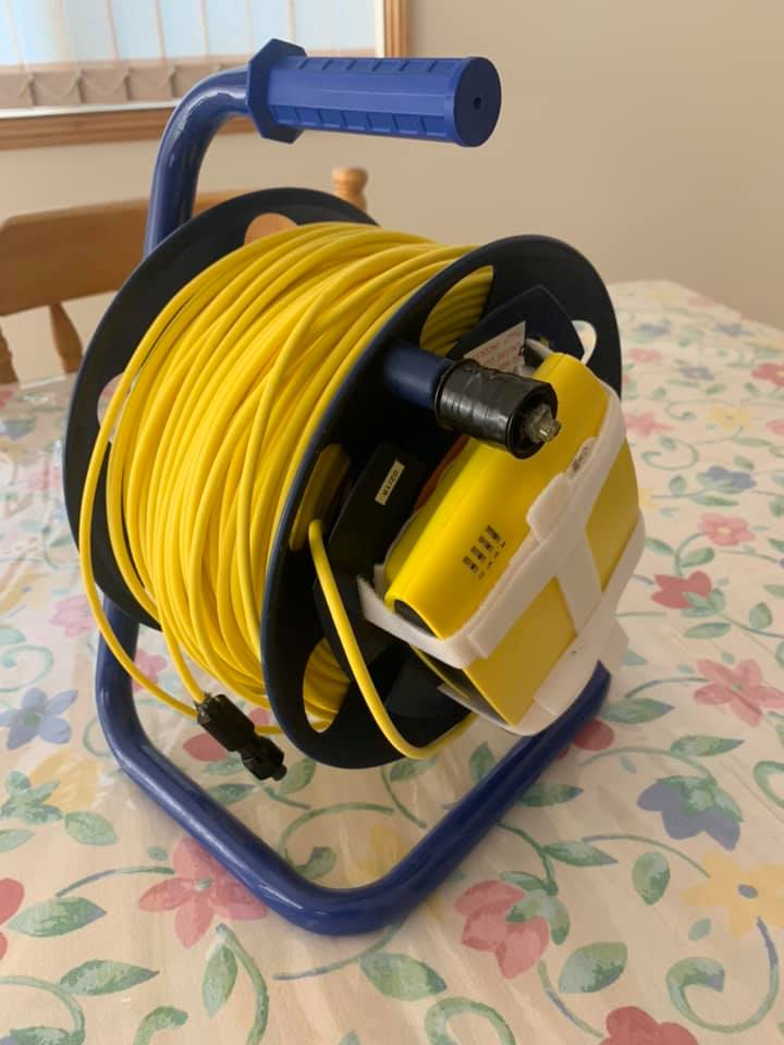 tether-spool-cable-winder-underwater-drone.jpg
